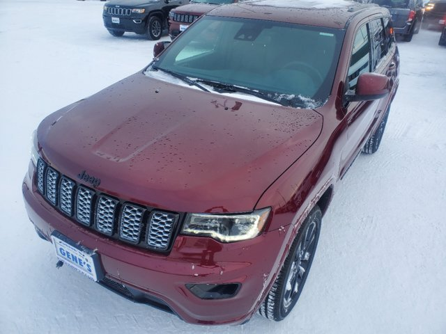 2020 Velvet Red Pearlcoat Jeep Grand Cherokee Altitude SUV 4X4 Regular Unleaded V-6 3.6 L/220 Engine Automatic