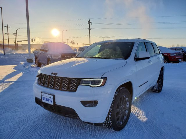 2021 Bright White Clearcoat Jeep Grand Cherokee Laredo X Regular Unleaded V-6 3.6 L/220 Engine SUV 4X4 4 Door
