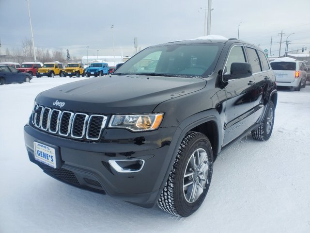 2020 Jeep Grand Cherokee Laredo E Automatic Regular Unleaded V-6 3.6 L/220 Engine 4X4 SUV 4 Door