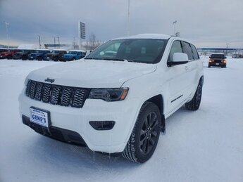 2021 Bright White Clearcoat Jeep Grand Cherokee Laredo X Automatic 4 Door SUV Regular Unleaded V-6 3.6 L/220 Engine 4X4