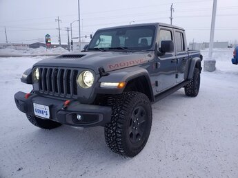 2021 Sting-Gray Clearcoat Jeep Gladiator Mojave 4X4 Truck Regular Unleaded V-6 3.6 L/220 Engine 4 Door Automatic