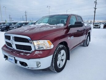 2020 Delmonico Red Pearlcoat Ram 1500 Classic Tradesman 4X4 Regular Unleaded V-8 5.7 L/345 Engine Truck