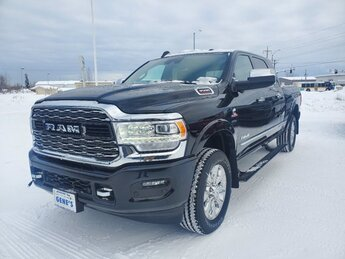 2020 Diamond Black Crystal Pearlcoat Ram 3500 Limited Automatic 4 Door 4X4 Truck Intercooled Turbo Diesel I-6 6.7 L/408 Engine