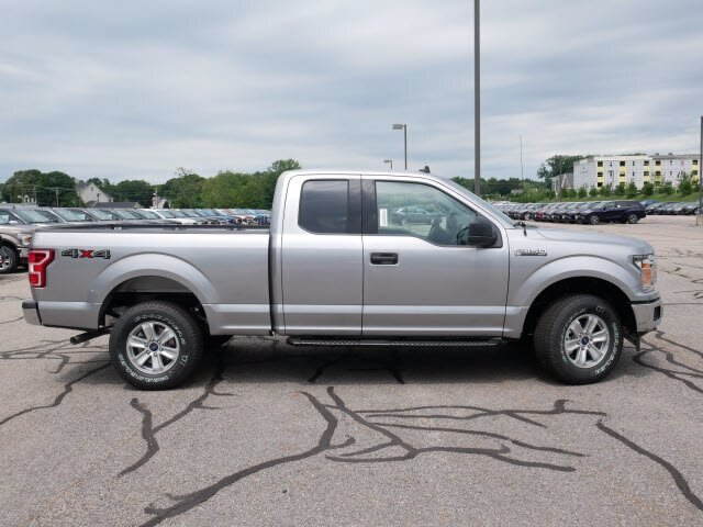 2020 Iconic Silver Metallic Ford F-150 XLT 4 Door Truck 4X4 Automatic 5.0L V8 Engine