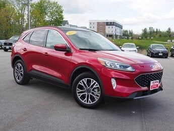2020 Rapid Red Metallic Tinted Clearcoat Ford Escape SEL 2.0L 4 cyls Engine 4 Door AWD Automatic SUV