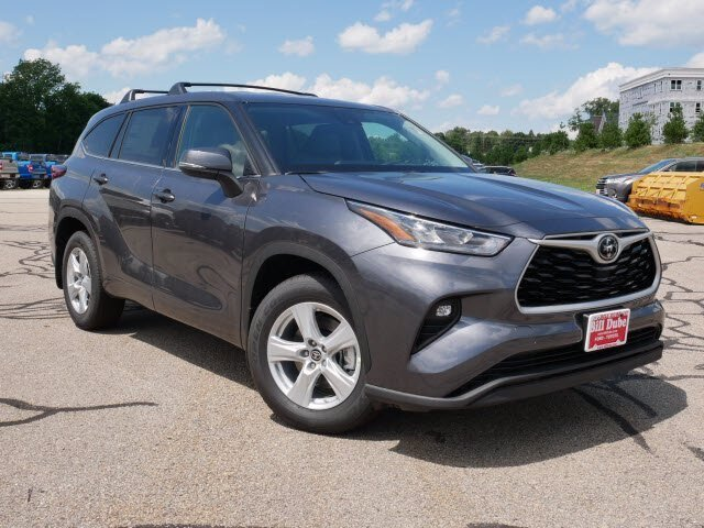2020 Magnetic Gray Metallic Toyota Highlander LE SUV 3.5L V6 Engine AWD