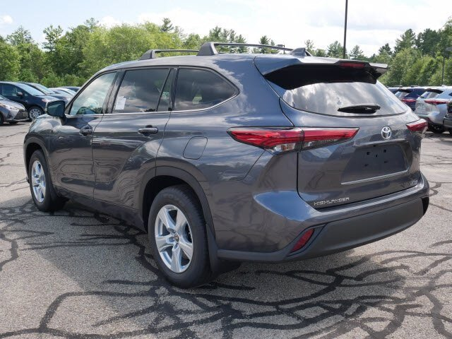 2020 Magnetic Gray Metallic Toyota Highlander LE AWD 4 Door 3.5L V6 Engine