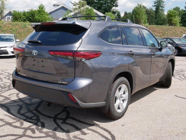 2020 Magnetic Gray Metallic Toyota Highlander LE AWD SUV 4 Door Automatic