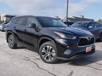 2021 Toyota Highlander XLE SUV Automatic 4 Door
