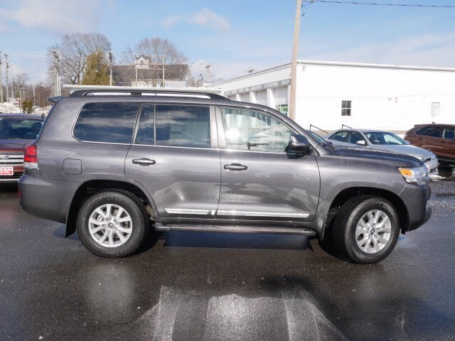 2021 Magnetic Gray Metallic Toyota Land Cruiser Base Regular Unleaded V-8 5.7 L/346 Engine SUV Automatic