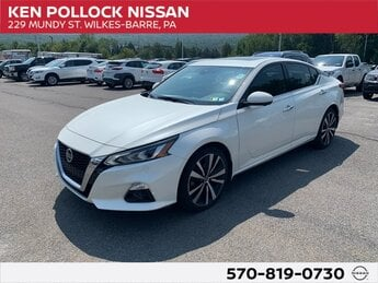 2020 Pearl White Tricoat Nissan Altima 2.5 Platinum AWD Automatic (CVT) 2.5L 4-Cylinder DOHC 16V Engine Sedan 4 Door