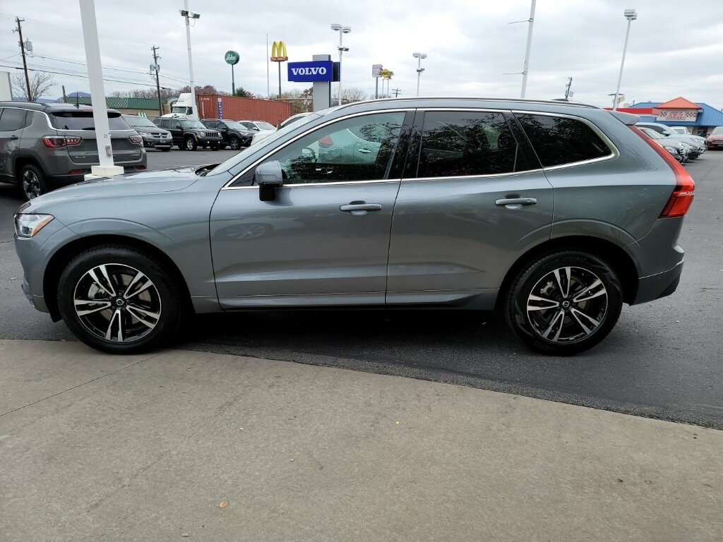 2021 Gray Volvo XC60 T6 Momentum AWD I4 Supercharged Engine 4 Door Automatic SUV