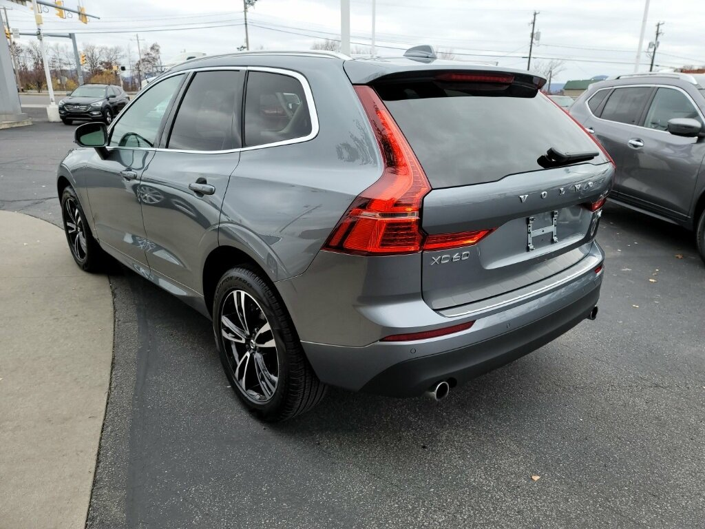 2021 Gray Volvo XC60 T6 Momentum 4 Door I4 Supercharged Engine Automatic