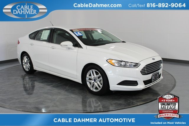 2016 White Ford Fusion SE 2.5L iVCT Engine 4 Door Sedan