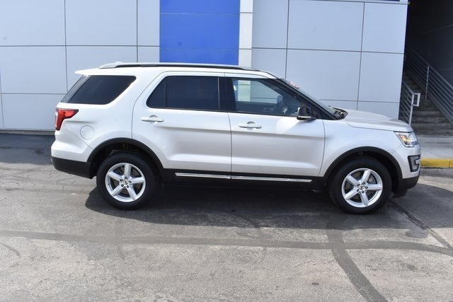 2017 Ford Explorer XLT 4 Door Automatic SUV 4X4 3.5L 6-Cylinder SMPI DOHC Engine