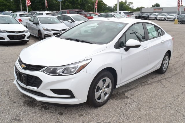 2018 Summit White Chevy Cruze LS 1.4L 4-Cylinder Turbo DOHC CVVT Engine Automatic 4 Door