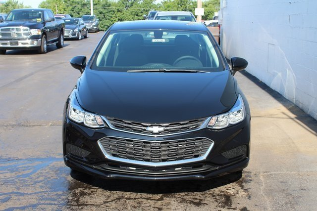 2018 Chevrolet Cruze LS Automatic Sedan FWD 1.4L 4-Cylinder Turbo DOHC CVVT Engine 4 Door