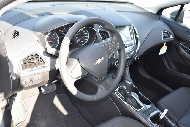 2018 Chevy Cruze LT 1.4L 4-Cylinder Turbo DOHC CVVT Engine FWD 4 Door Automatic