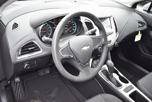 2018 Summit White Chevy Cruze LT FWD Sedan Automatic