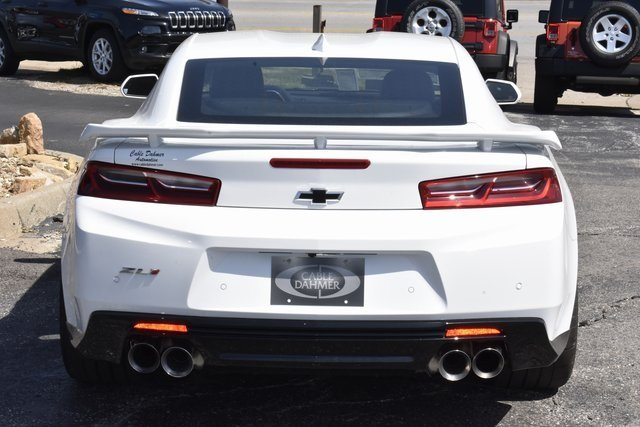2018 Summit White Chevrolet Camaro ZL1 Automatic Coupe 6.2L V8 Supercharged Engine RWD 2 Door