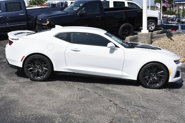 2018 Summit White Chevrolet Camaro ZL1 Automatic 2 Door Coupe RWD 6.2L V8 Supercharged Engine