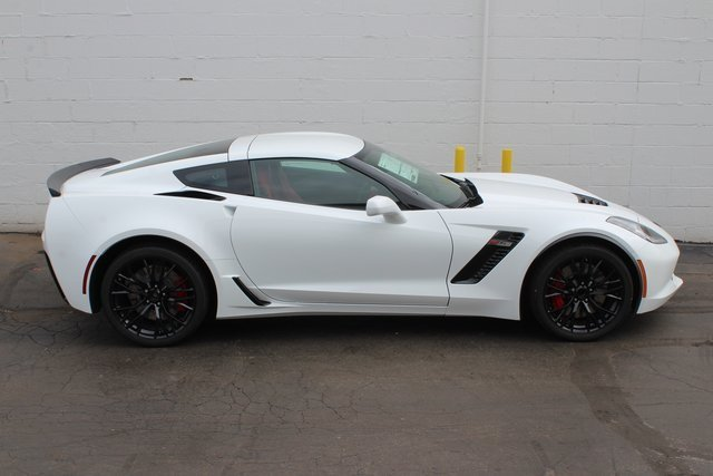 2019 Arctic White Chevrolet Corvette Z06 1LZ Coupe RWD V8 Supercharged Engine