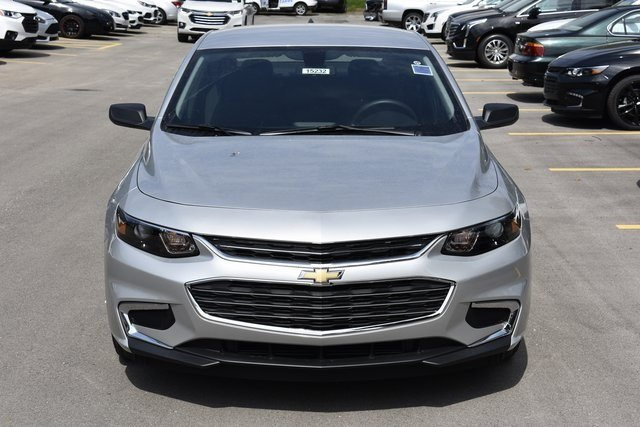 2018 Chevy Malibu LS Sedan 4 Door FWD 1.5L DOHC Engine