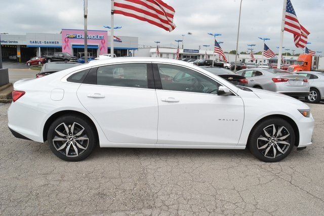 2018 Summit White Chevy Malibu LT FWD Sedan Automatic