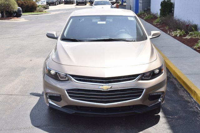 2018 Sandy Ridge Metallic Chevrolet Malibu LT Automatic Sedan FWD 1.5L DOHC Engine 4 Door