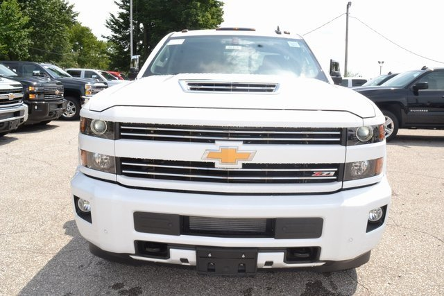 2019 Summit White Chevrolet Silverado 2500HD LTZ Automatic Truck 4X4 Duramax 6.6L V8 Turbodiesel Engine