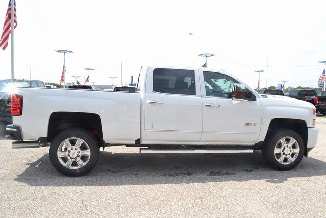 2019 Summit White Chevrolet Silverado 2500HD LTZ 4 Door Truck 4X4 Duramax 6.6L V8 Turbodiesel Engine