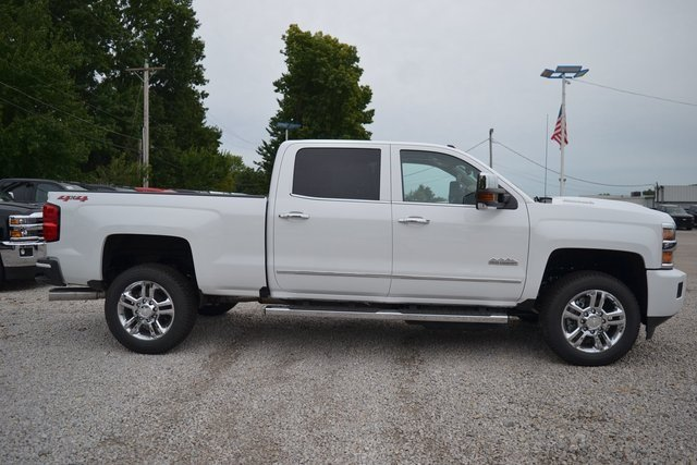 2019 Summit White Chevy Silverado 2500HD High Country 4 Door Truck 4X4 Automatic Duramax 6.6L V8 Turbodiesel Engine