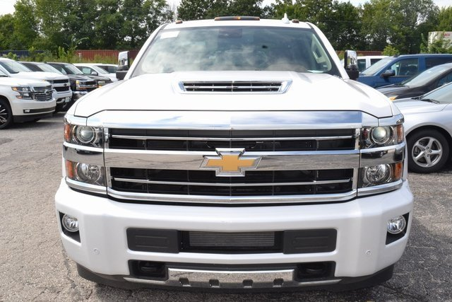 2019 Chevy Silverado 3500HD High Country Truck 4X4 Duramax 6.6L V8 Turbodiesel Engine 4 Door Automatic