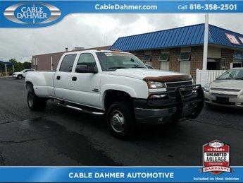 2005 White Chevy Silverado 3500 DRW LS 4 Door Truck Automatic 4X4
