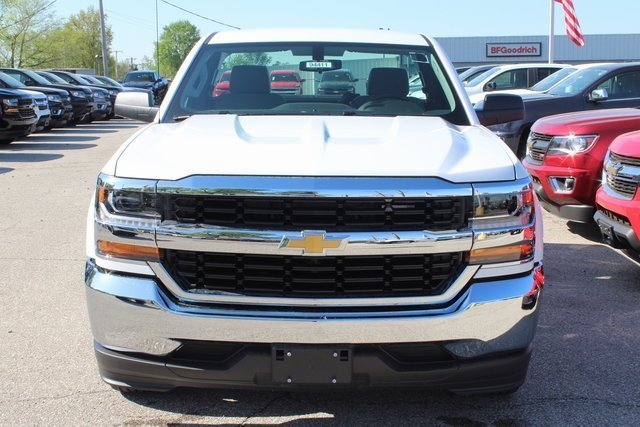2018 Summit White Chevy Silverado 1500 WT EcoTec3 5.3L V8 Flex Fuel Engine 2 Door Automatic Truck RWD