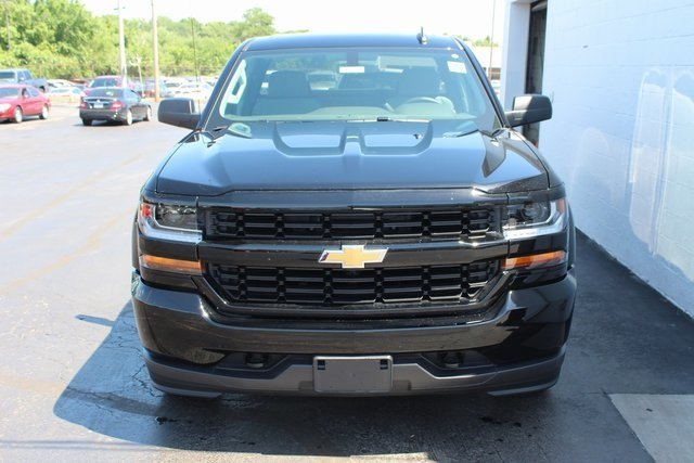 2018 Black Chevy Silverado 1500 Custom RWD EcoTec3 5.3L V8 Flex Fuel Engine 4 Door Truck Automatic
