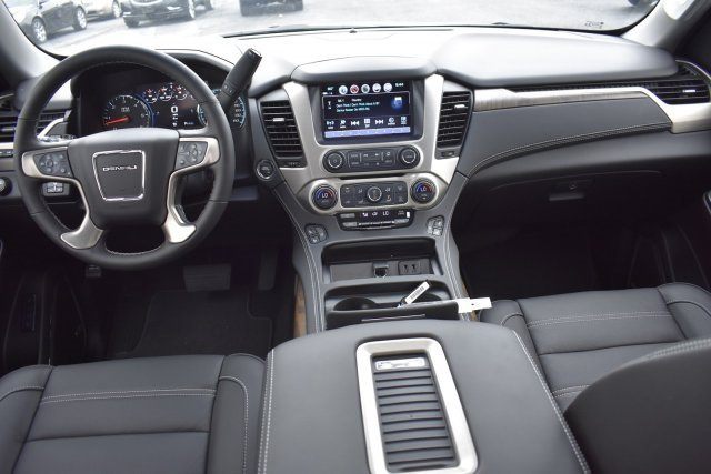 2018 Quicksilver Metallic GMC Yukon Denali EcoTec3 6.2L V8 Engine Automatic SUV 4 Door