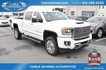 2019 Summit White GMC Sierra 2500HD Denali 4X4 4 Door Truck Duramax 6.6L V8 Turbodiesel Engine