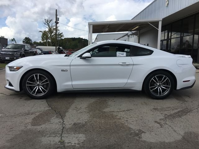 2017 Oxford White Ford Mustang GT Coupe RWD 2 Door 5.0L V8 Ti-VCT Engine