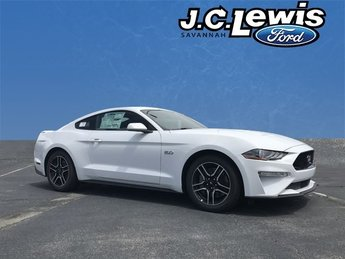 2019 Oxford White Ford Mustang GT 5.0L V8 Ti-VCT Engine 2 Door Automatic RWD Coupe