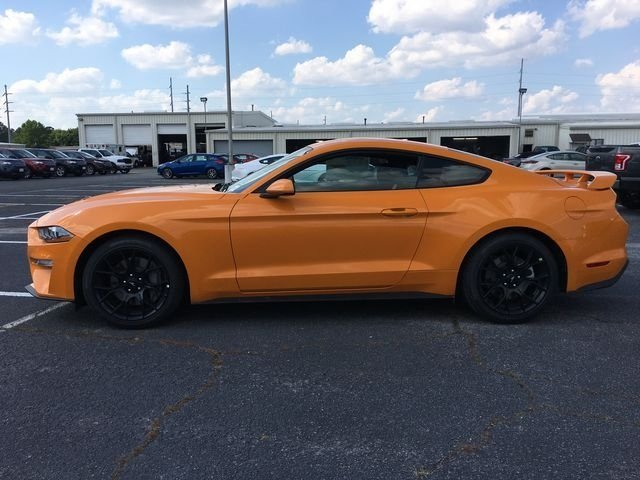 2018 Ford Mustang EcoBoost 2 Door EcoBoost 2.3L I4 GTDi DOHC Turbocharged VCT Engine Automatic