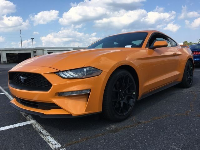 2018 Orange Fury Metallic Tri-Coat Ford Mustang EcoBoost RWD EcoBoost 2.3L I4 GTDi DOHC Turbocharged VCT Engine Coupe 2 Door