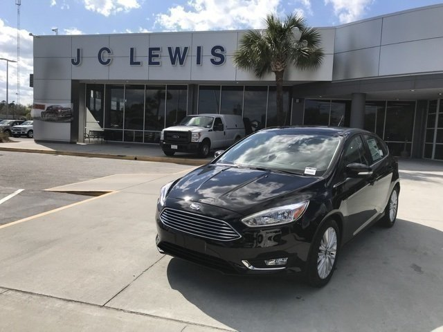 2018 Ford Focus Titanium Hatchback 4 Door FWD Automatic I4 Engine