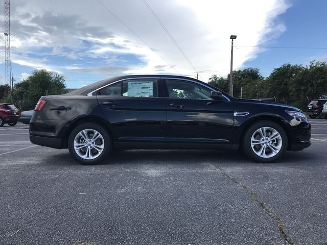 2018 Shadow Black Ford Taurus SE 3.5L 6-Cylinder SMPI DOHC Engine FWD 4 Door Sedan