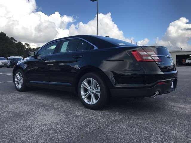 2018 Ford Taurus SE FWD Automatic 4 Door