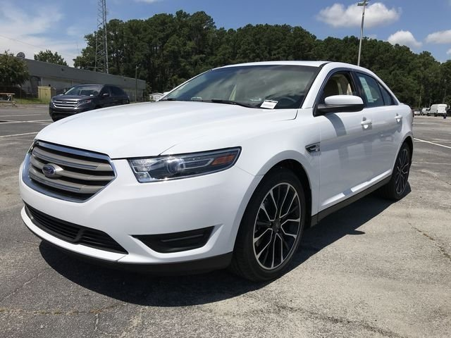 2018 Oxford White Ford Taurus SEL FWD 4 Door 3.5L V6 Ti-VCT Engine