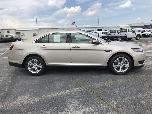 2018 White Gold Metallic Ford Taurus SEL Automatic 4 Door 3.5L V6 Ti-VCT Engine