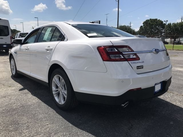2018 Ford Taurus SEL 4 Door 3.5L V6 Ti-VCT Engine Automatic