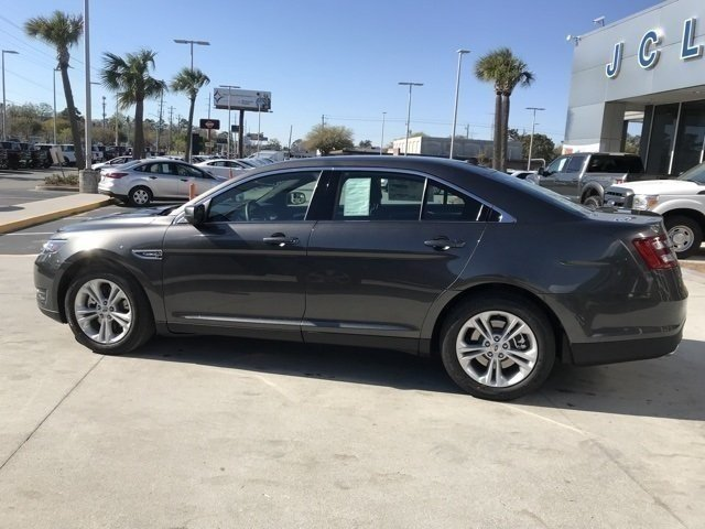 2018 Magnetic Metallic Ford Taurus SEL Sedan 3.5L V6 Ti-VCT Engine Automatic FWD 4 Door