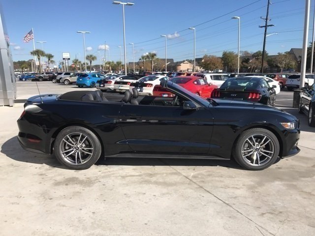 2017 Ford Mustang EcoBoost Premium Convertible 2 Door EcoBoost 2.3L I4 GTDi DOHC Turbocharged VCT Engine RWD Automatic